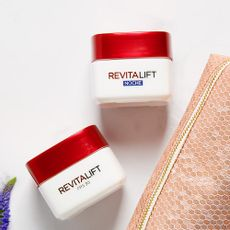 Pack-Loreal-Revitalift-Dia---Noche-Madres-1-216607