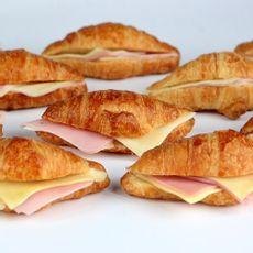 Mini-Croissant-de-Jamon-y-Queso-Caja-50-Unid-1-244634
