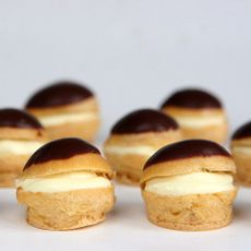 Profiteroles-de-Chocolate-con-Crema-Pastelera-Caja-50-Unid-1-244640