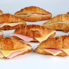 Mini-Croissant-de-Jamon-y-Queso-Caja-100-Unid-1-244648