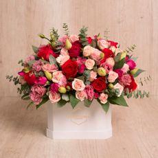 La-Bot-nika-Arreglo-Floral-Love-Box-Ana-1-199848008
